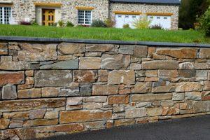 Mur pierre. Jardins des 4 Saisons. Guer, Ploërmel, Redon, Plélan-Le-Grand, Maure de Bretagne