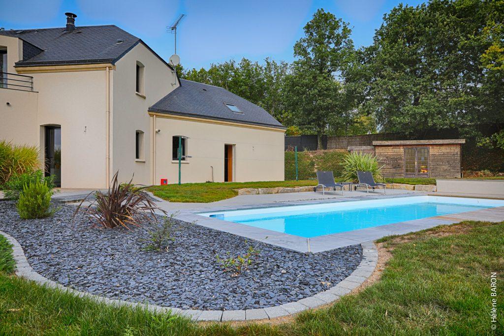 Abords piscine. Jardins des 4 Saisons. Guer, Ploërmel, Redon, Plélan-Le-Grand, Maure de Bretagne