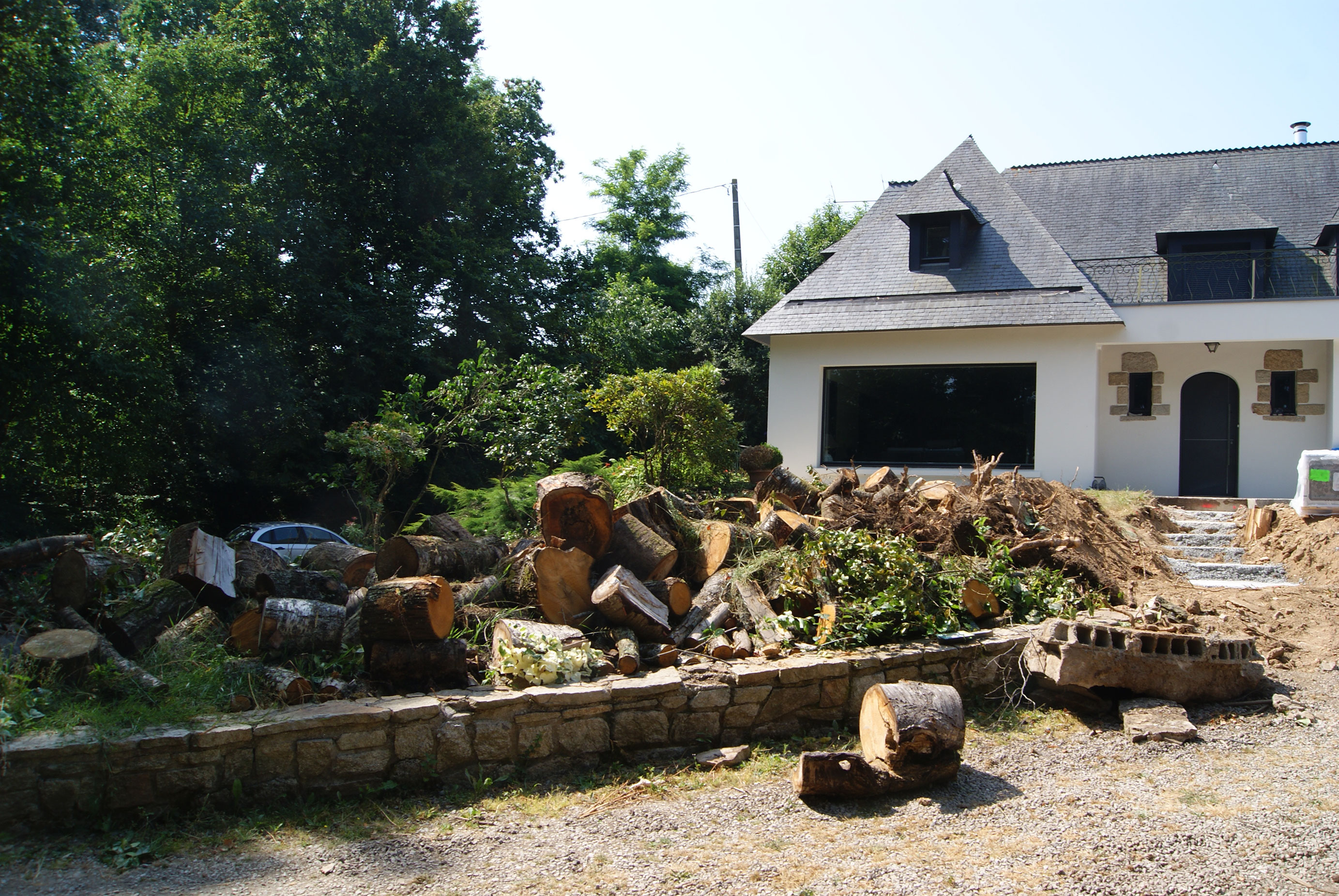 Dessouchage. Abattage. Evacuation. Jardins des 4 Saisons. Guer, Ploërmel, Redon, Plélan-Le-Grand, Maure de Bretagne