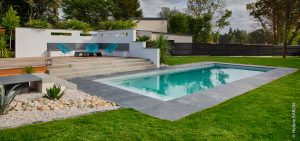 Piscine et spa. Jardins des 4 Saisons. Morbihan