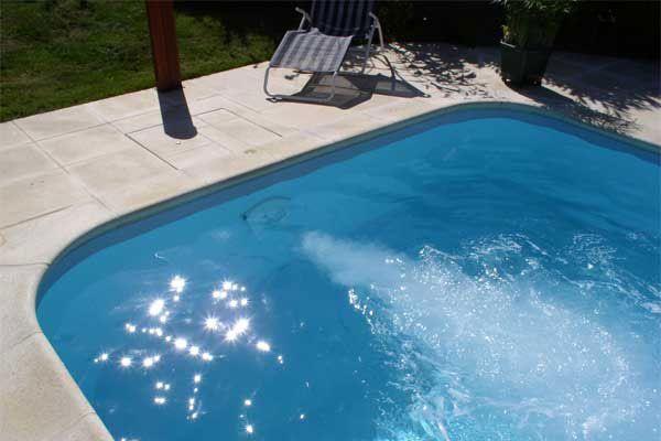 Piscine Dugain. Jardins des 4 Saisons. Morbihan. Spacium-la-piscine-spa-600x400